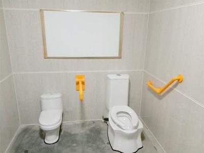 公厕内部设施